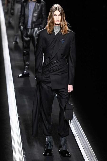 Nicholas Hoult Se Envuelve En Un Look De Dior Para Los Premios Oscar 2019 03