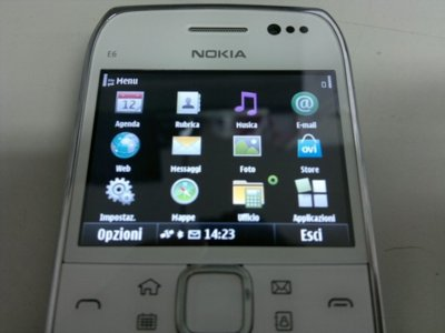 Nokia E6-00 se muestra con todo lujo de detalles en fotos y vídeos