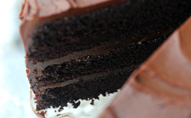 Pastel de chocolate: una receta básica de esas de guardar para siempre