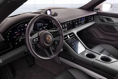 Porsche Taycan 2021 009