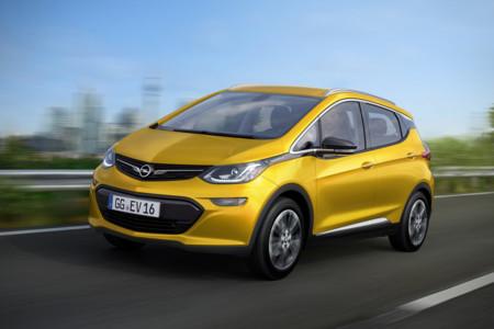 Opel Ampera-e: este pequeño y asequible eléctrico de Opel promete una gran autonomía