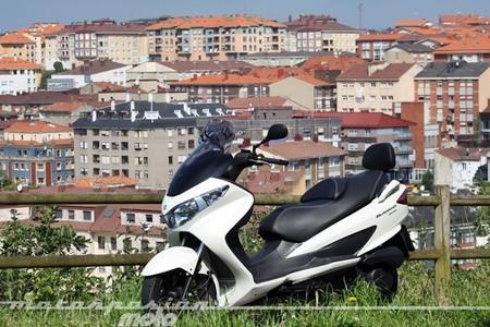 Motorpasión a dos ruedas: Suzuki Burgman 125 Executive (prueba) y el susto de Joan Garriga
