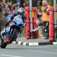 Michael Dunlop arrasa en el Senior TT y ya suma más victorias que Mike Hailwood