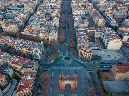 La Generalitat de Cataluña pide a cinco millones de personas que no salgan de su casa: el área metropolitana de Barcelona al borde del confinamiento