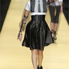 Foto 14 de 32 de la galería karl-lagerfeld-en-la-semana-de-la-moda-de-paris-primavera-verano-2009 en Trendencias