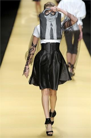 Foto de Karl Lagerfeld en la Semana de la Moda de París Primavera-Verano 2009 (14/32)