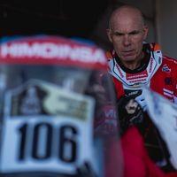 """Antonio Ramos, el """"abuelo"""" del Dakar 2017, abandona por un problema eléctrico en su KTM"""