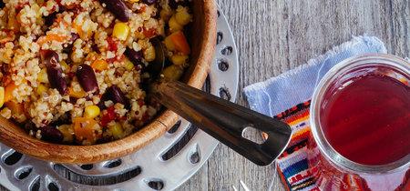 Ensalada de quinoa a la mexicana. Receta fácil de ensalada