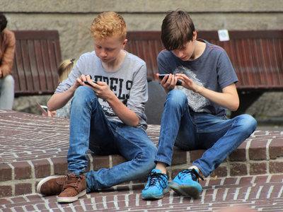 A los 12 años, tres de cada cuatro niños tienen un móvil