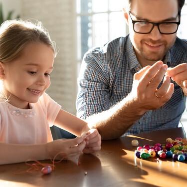 """25 soluciones al """"Me aburro"""" de los niños en vacaciones: juegos y actividades para entretenerles"""