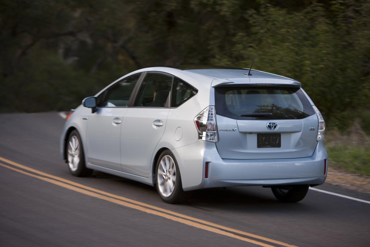 Foto de 2011 Toyota Prius v (30/77)