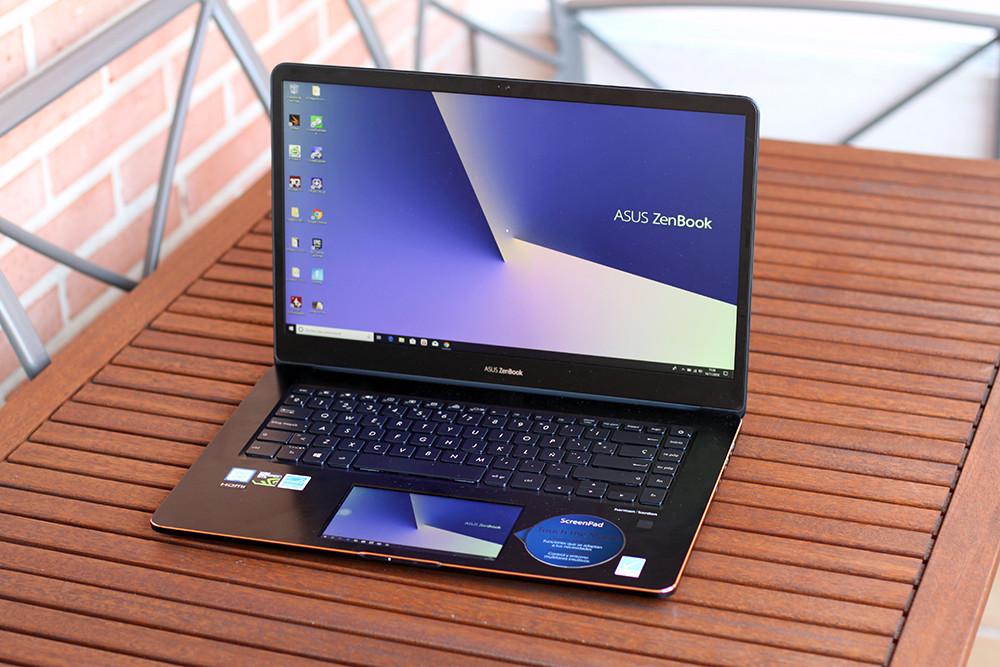 ASUS ZenBook Pro quince análisis: alguna mezcla de workstation y portátil gaming que sorprende por su ScreenPad
