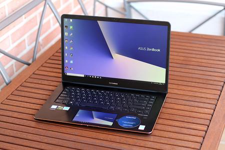 ASUS ZenBook Pro 15 análisis: una mezcla de workstation y portátil gaming que sorprende por su ScreenPad