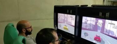 He pasado un año restaurando una máquina de videojuegos de arcade de conducción: este es el resultado