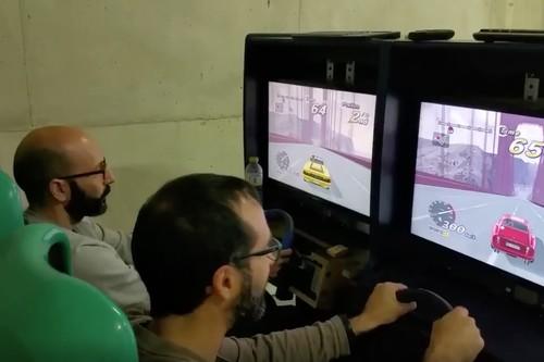 He pasado un año restaurando una máquina de videojuegos de arcade de conducción: éste es el resultado