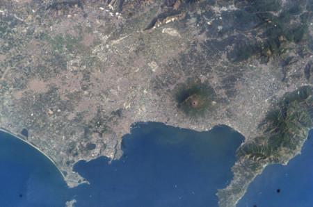 Monte Vesubio Y Golfo De Napoles