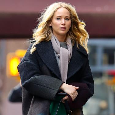 Aprovéchate de las últimas rebajas para hacerte con unos pantalones (a cuadros) como los de Jennifer Lawrence