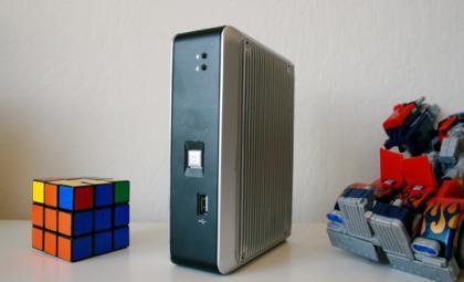 Zonbox: miniordenador sin ventiladores y con Linux