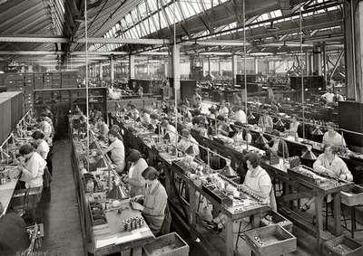 Trabajadores de la misma empresa sujetos a diferentes convenios