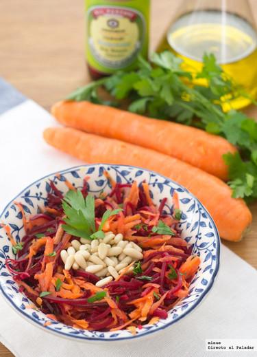 Ensalada agridulce de zanahoria y remolacha con piñones. Receta