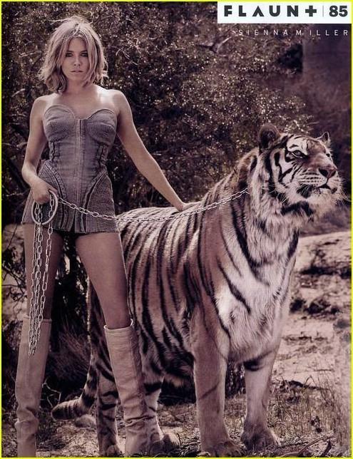 Foto de Sienna Miller en la revista Flaunt - Agosto 2007 (2/3)
