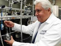 NASA reconoce a científico mexicano que participó en la misión Curiosity