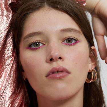 Bershka presenta 11 propuestas de maquillaje que enamorarían a la mismísima Lucy Boynton