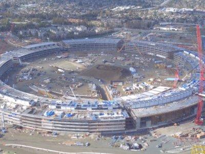 """La """"spaceship"""" del Campus 2 de Apple ya luce su forma final en el último vídeo a vista de Dron"""