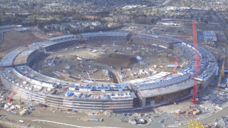 "La ""spaceship"" del Campus 2 de Apple ya luce su forma final en el último vídeo a vista de Dron"