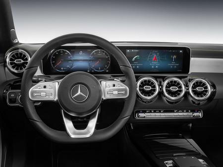Mercedes-Benz presenta su nuevo sistema multimedia en el CES 2018, y lo estrenará el nuevo Clase A