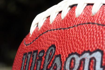 Los balones del fútbol americano, un tema controversial