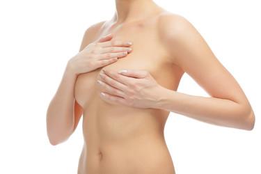 Breve historia de los implantes de mama, ¿cómo han evolucionado desde sus inicios?