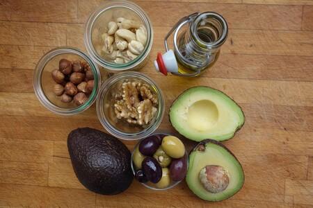 Los mejores alimentos para sumar grasas a tus ensaladas y 31 recetas que los incluyen