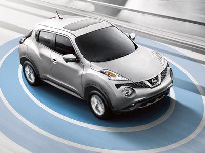 Usar el móvil mientras conduces es un problema y Nissan quiere que lo metas en una jaula de Faraday