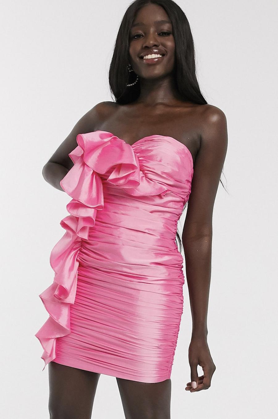 Vestido muy corto con volantes extremos en rosa de Dolly & Delicious