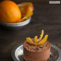 Mousse de chocolate con crujiente de naranja. Receta de Navidad