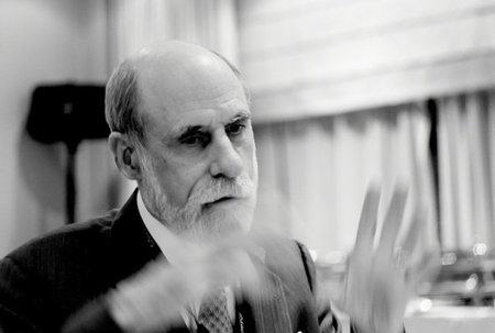 """Vint Cerf: """"Si no mantenemos el carácter de apertura de internet, vamos a matarlo"""""""