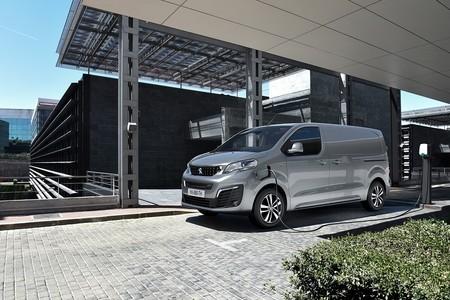 La Peugeot e-Expert es la furgoneta eléctrica del león con 136 CV y hasta 330 km de autonomía