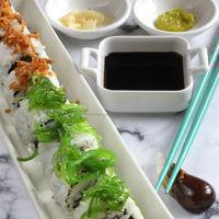 Uramakis de atún y pepino: receta de sushi