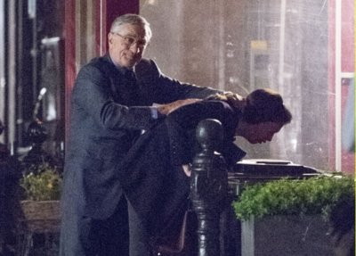 'El becario' ('The Intern'), tráiler de una tonta comedia con Robert de Niro y Anne Hathaway