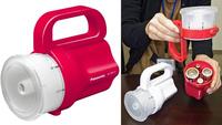 La nueva linterna de  Panasonic funciona con casi cualquier pila que tengamos en casa