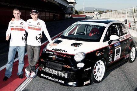 Jorge Lorenzo se pasa a las cuatro ruedas