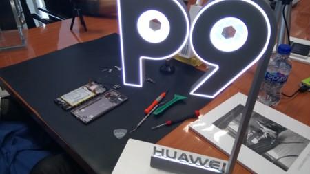 Así se ve de cerca el módulo de cámara dual del Huawei P9