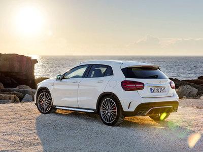 """Mercedes-Benz GLA Coupé: la marca de la estrella podría estar preparando un """"anti-BMW X2"""""""