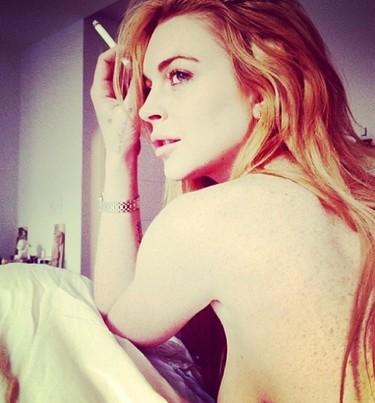 Lindsay Lohan saca pecho y dice: ¡aquí estoy yo!