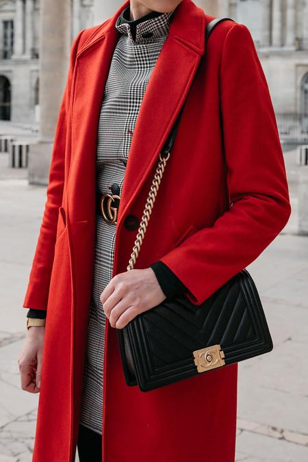Cómo combinar un abrigo rojo: el street style nos da todas las claves para triunfar