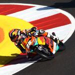Raúl Fernández hace la pole y Ai Ogura bate a Albert Arenas en otra ridícula qualy de Moto3