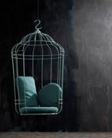 ¿Te atreves con una silla colgante inspirada en una jaula?