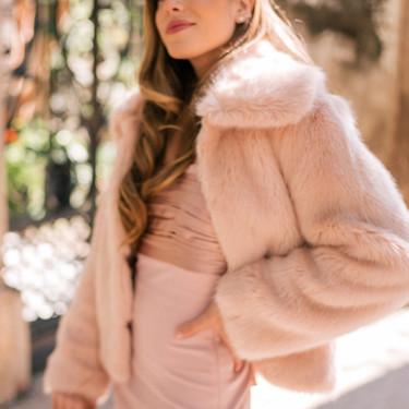 Si no sabes cómo vestir para una boda de invierno, Zara y otras marcas low-cost tienen las respuestas