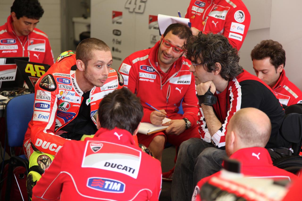 Foto de Las imágenes de Valentino Rossi sobre la Ducati Desmosedici GP12 (2/8)